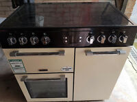 Excellent range cooker, Splash back and cooker hood.only 6mths old