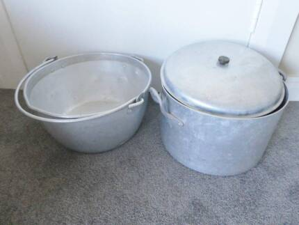 Preserve Pan and  deep pot with lid