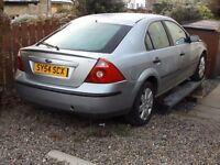 Ford Mondeo 1.8 zetec Hatchback Spares or repair in Machine silver.