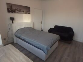 Refurbished Large rooms to let in a 6 bedroom house share single occupancy only