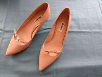 Kitten heel, elegant party shoe, size 5/38