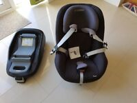 Isofix base sith Maxi Cosi Pearl Cat Seat black in very good condition