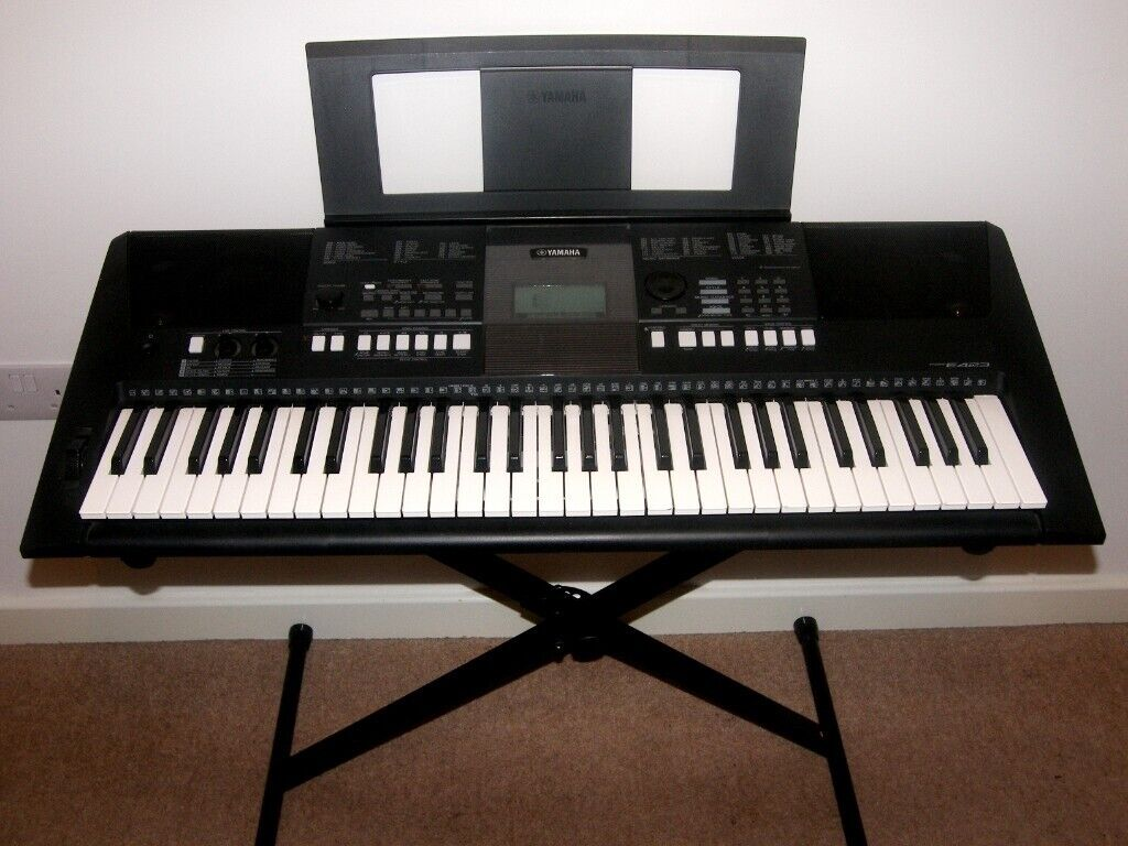 Yamaha PSR E423 , 61 Keys Piano Keyboard with 700 Voices and 174 Styles +  Keyboard Stand  | in Bristol | Gumtree
