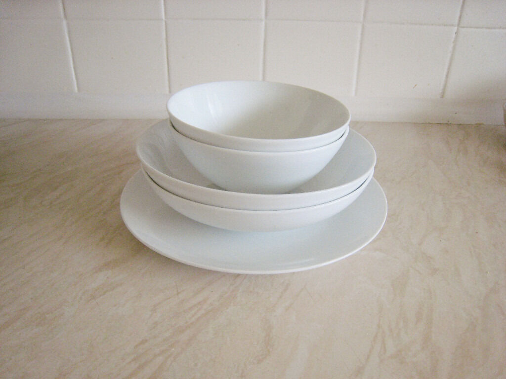 sainsbury 39 s white coupe bowls x 2 pasta bowls x 2. Black Bedroom Furniture Sets. Home Design Ideas