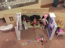 Moxie Girlz dolls and mansion house Vgc