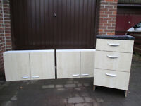 Kitchen Drawers & Wall Units - Suitable for garage