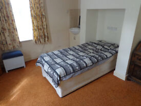 Single bed room in shared house in WESTBOURNE £95 p/w inc bills NO SMOKERS