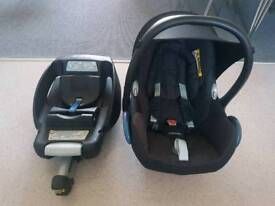 Easyfix base with maxi cosi car seat