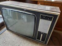 Vintage television - clean/repair needed