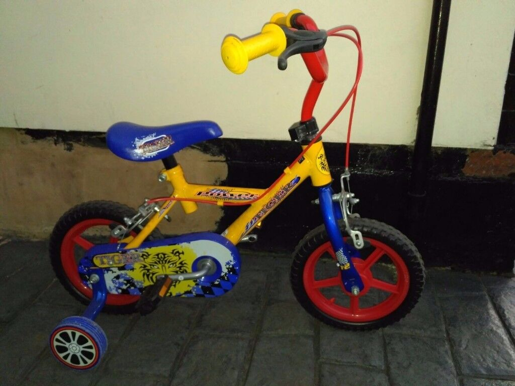Small toddlers bike £10