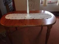Solid pine extendable dining table ,can dismantle.FREE DELIVERY