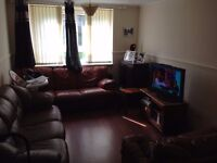 DOUBLE-BED ROOM CLOSE TO ABERDEEN ROYAL INFIRMARY (ARI) ....ALL-INCLUSIVE(£320)...AVAILABLE JAN