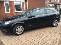 Vauxhall Astra 1.8 Design 3 Door Hatchback Automatc Black 51000 miles full service histiory