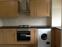 Stunning large double room with own bathroom available in Wood Green flatshare~~~