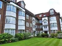 3 bedroom house in Queens Road, Hendon