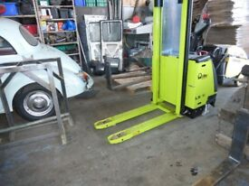 Pramatic LX16 Electric Pedestrian Fork Lift with Charger