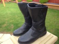 dainese gor-tex waterproof motorcycle boots size 9 worn once cost £140 bargain only £40