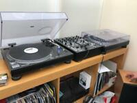 Technics 1210's MK2 with Berhinger Mixer and flight case