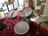 Drum Kit - Sonix 924 Fusion & Stag cymbal.