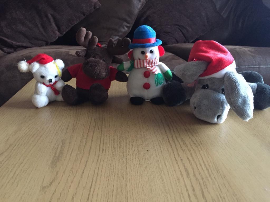 Christmas cuddly toys bundle