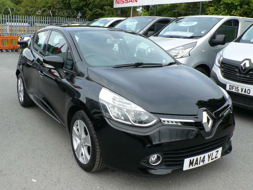 renault clio 1 2 16v dynamique medianav 5dr 2014 in chester cheshire gumtree. Black Bedroom Furniture Sets. Home Design Ideas