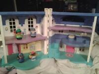 Little People House,CAN DE.IVER TOMORROW