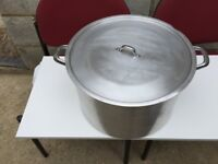 Large cooking pan - suit large family - excellent condition - £15