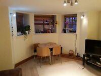 Beautiful well kept 2 bedroom flat in the heart of West Didsbury - Fantastic Location