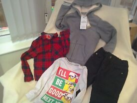 Clothes bundle Age 5-6 WILL POST Minions Christmas top + New Hoodie + jeans