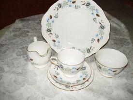 COLCLOUGH CHINA TEA SET (1970's)