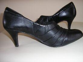 Ladies Black Shoes - Never worn