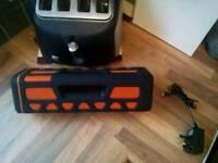 Blackweb bluetooth waterproof speaker ex con