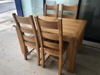 Ex-display**Solid chunky oak extendable table and 4 chairs ,,