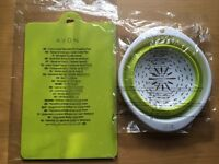 BRAND NEW AND UNOPENED AVON KITCHEN FLEXI CHOPPING MATS & COLLAPSIBLE SIEVE