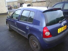 FOR BREAKING, 02 RENAULT CLIO 1.2 PETROL, MOST PARTS AVAILABLE
