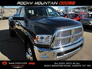 2017 Ram 3500 Laramie DUALLY Heated Leather Seats / Touchscreen
