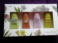 Boxed Crabtree & Evelyn ultra moisturising hand therapy set