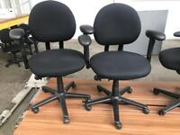 Black Round Back Adjustable ComputerChairs with arms