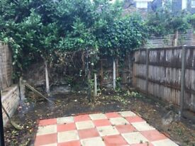 Studio flat for single parent and baby to rent in Hackney. DSS ONLY.