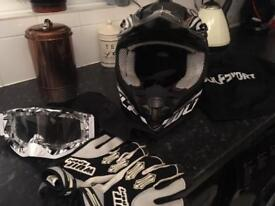 Wulfsport Helmet Gloves And Goggles
