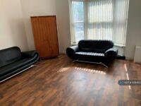 5 bedroom flat in Stratford Road, Sparkhill, Birmingham, B11 (5 bed) (#1090853)