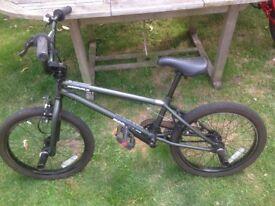Mongoose Article BMX Stunt Bike