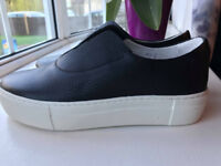 PRIMURY shoes £30 Brand new size 6 UK