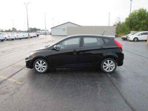 2012 Hyundai ACCENT GLS FWD
