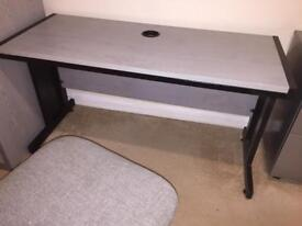 Complete office furniture ready to use