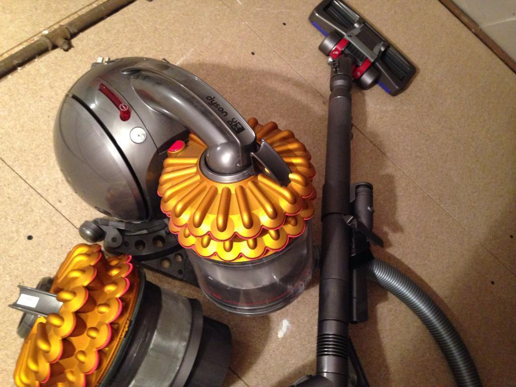 Dyson DC54 vacuum cleaner