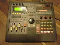 VINTAGE SAMPLER - Roland SP-808 Groove Sampler with external zip drive and 5 zip disks (100MB)