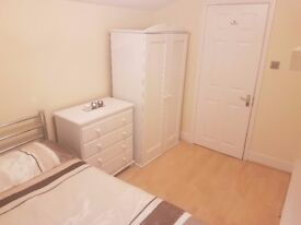 Beautiful VERY CLEAN double in Garden House. Twice weekly cleaning and Bills Included.