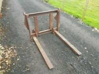 Tractor front loader pallet forks with backplate with Massey Ferguson brackets