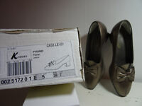 Clarks K Pyramid size 5 (38) small heel shoes.